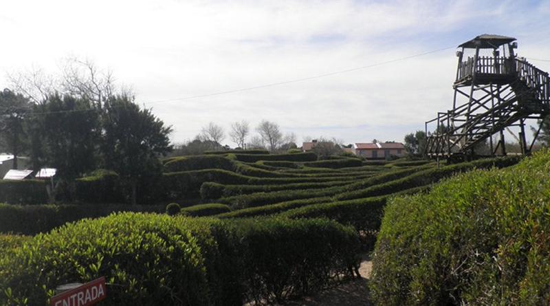 Laberinto gigante en Las Toninas